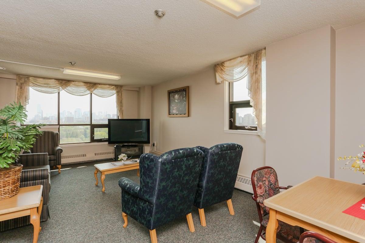 Common area sitting room