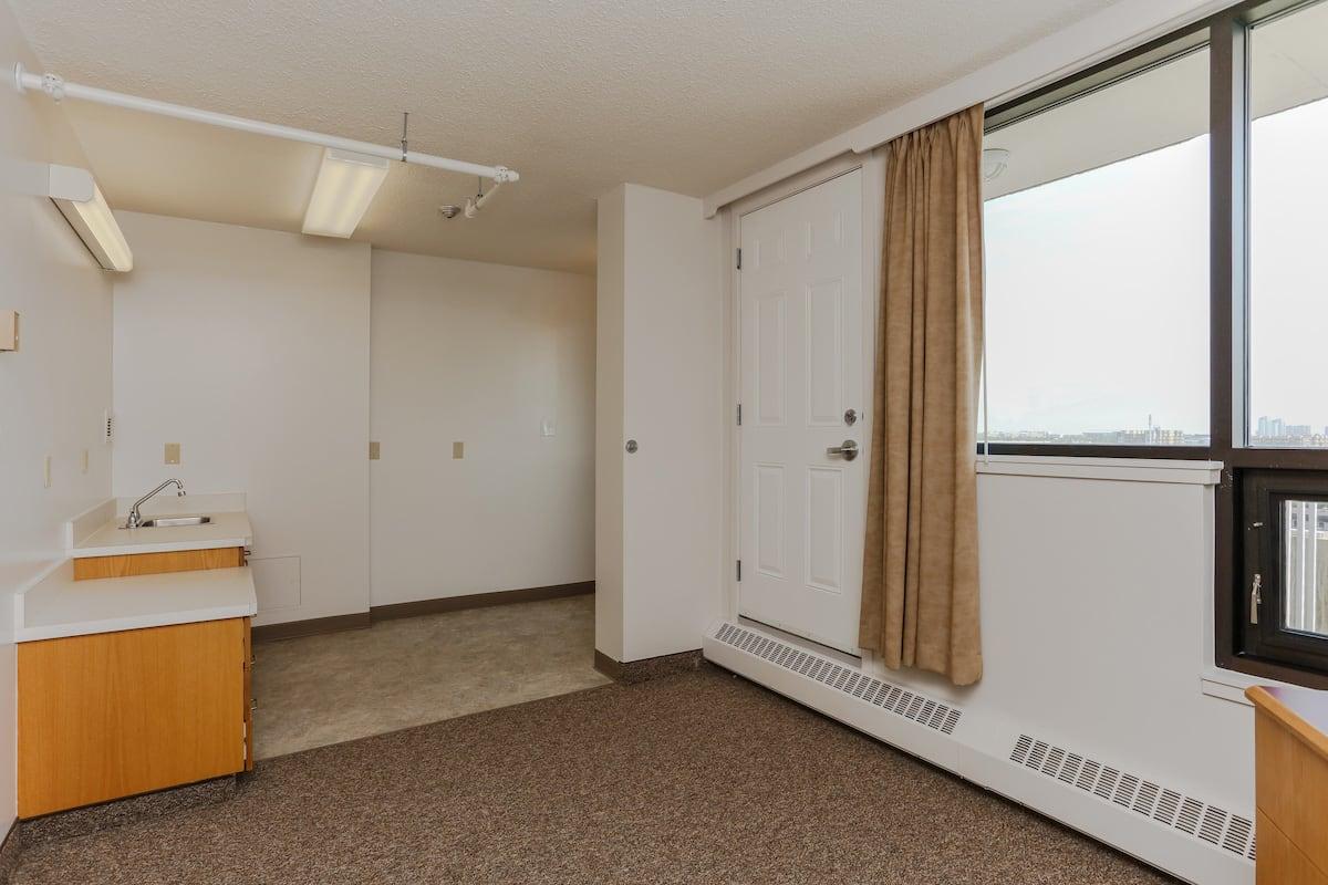 Lodge room kitchenette
