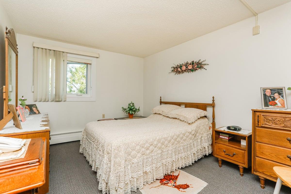 One bedroom suite (example 1) bedroom