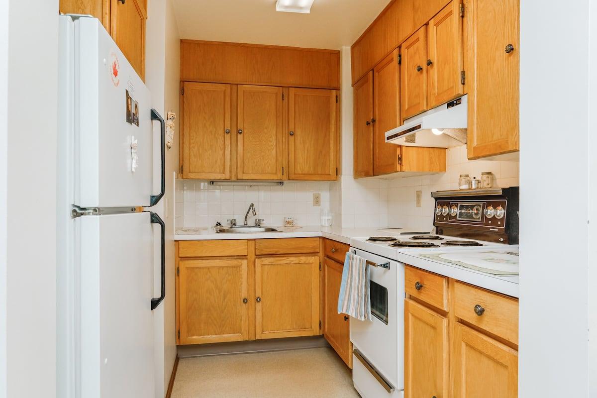 One bedroom suite (example 1) kitchen