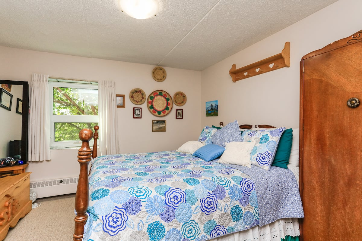One bedroom suite bedroom